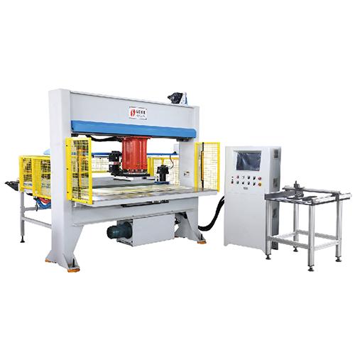 自动排版卷状材料移动头式裁断机